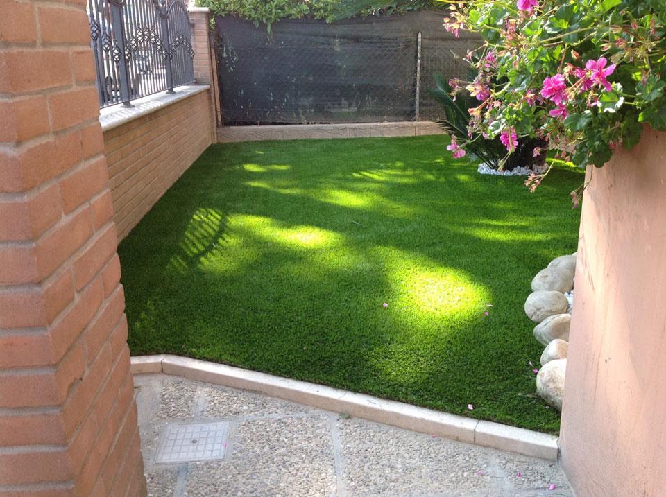 Piccoli giardini piccoli giardini with piccoli giardini for Alberi ornamentali per piccoli giardini