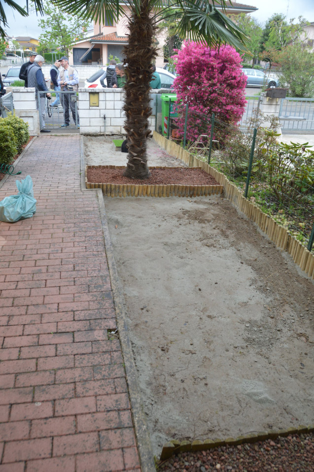 Posa su terreno bonfante giardini vendita for Diserbante per prato